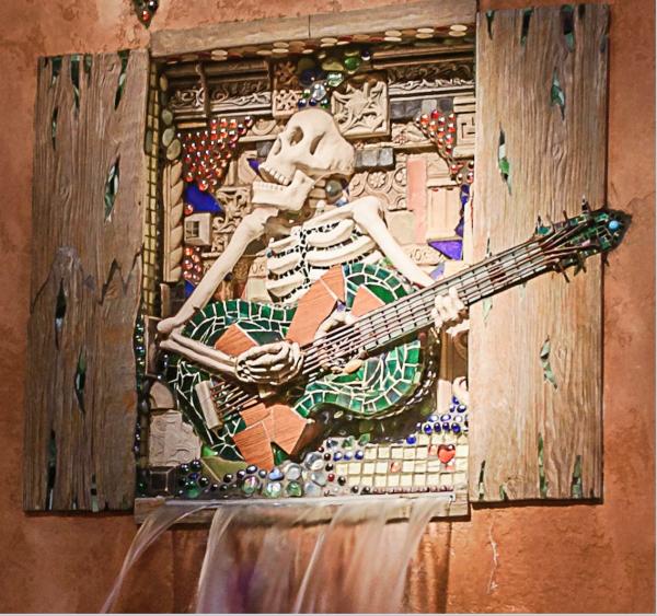 Screenshot Skeleton wall Guitar close up