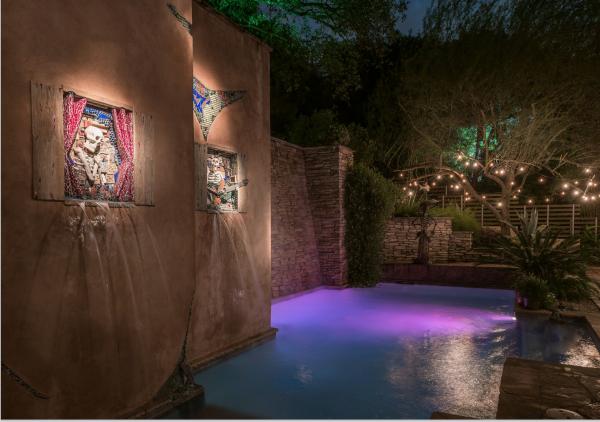 Screenshot skeleton wall and pool
