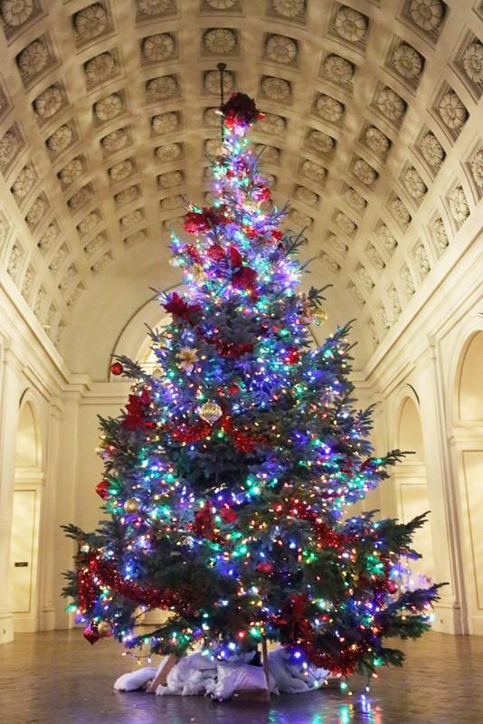 Pasadena-Mayors-Tree-lighting
