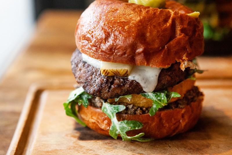 Meat-District-Pasadena-burger